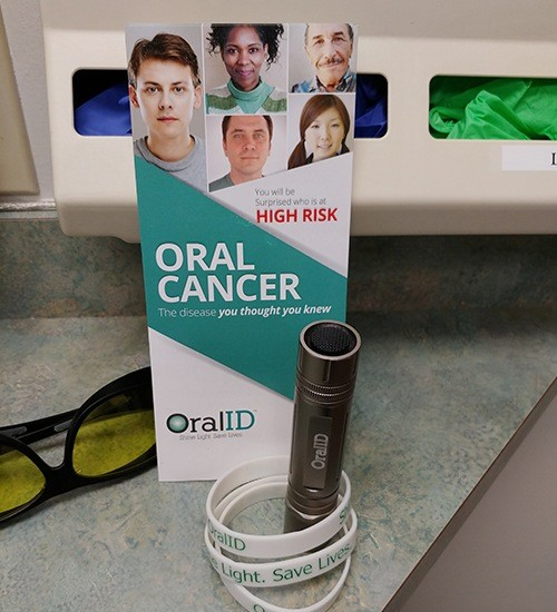 Oral cancer screening system